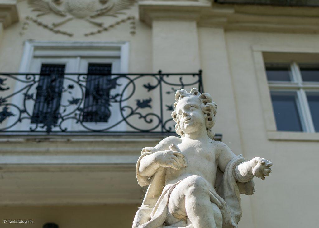 Schloss Blankensee Freitreppe mit Putto
