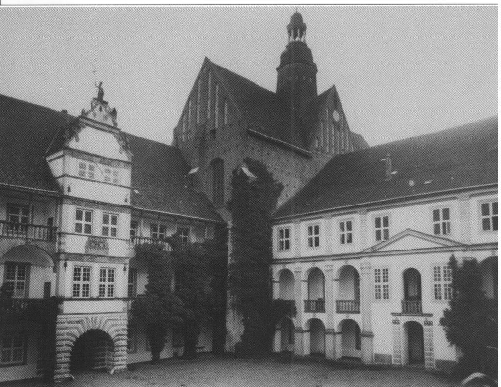 Schloss Dargun - Innenhof